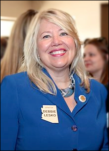 Is Arizona Republican candidate Debbie Lesko facing defeat by Democrat Hiral Tipirneni ?